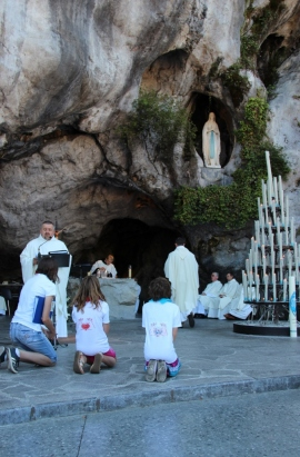 2015-08-21 - Messe Grotte (144) (683x1024)