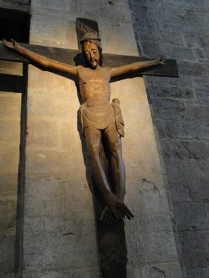 Un Christ en croix du XIVème siècle