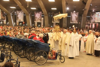2017-08-19 - 3 - Procession eucharistique (68)