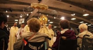 2017-08-19 - 3 - Procession eucharistique (90)